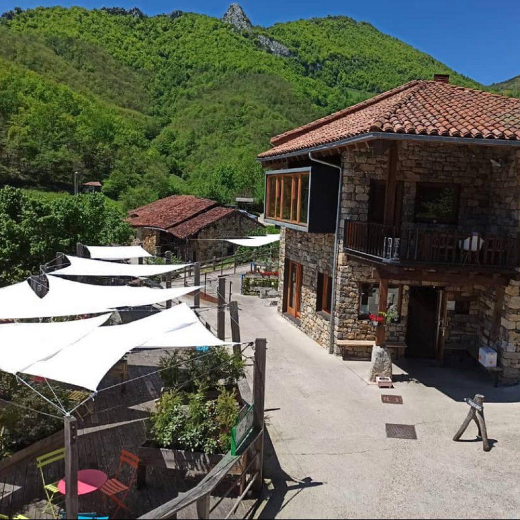 Centro de Ecoturismo Tierra del Agua, ubicado en Caleao, Asturias.
