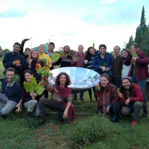 """Jep - Jóvenes en Permacultura cordinando el proyecto """"Los Círculos de la Permacultura - Son Barrina"""", ubicado en Inca, Mallorca (Islas Baleares)."""